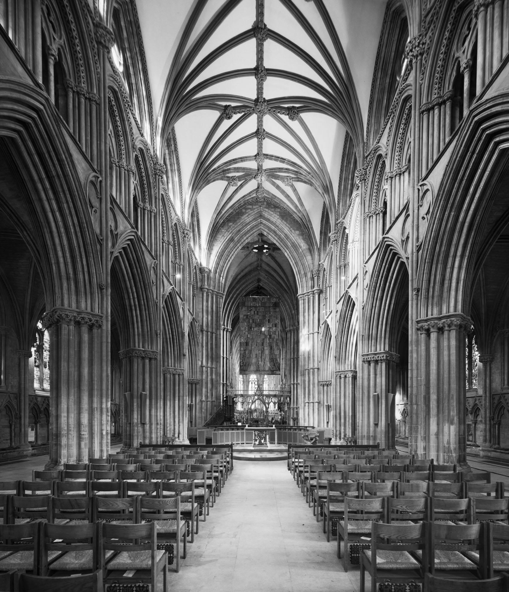 /images/HLF Images/Lichfield Cathedral interior.jpg